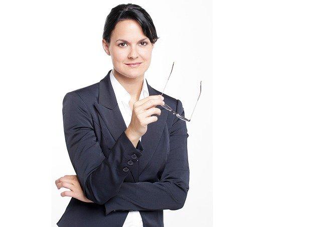 אשת עסקים - וגם נראית נהדר: האאוטפיטים המושלמים העבודה